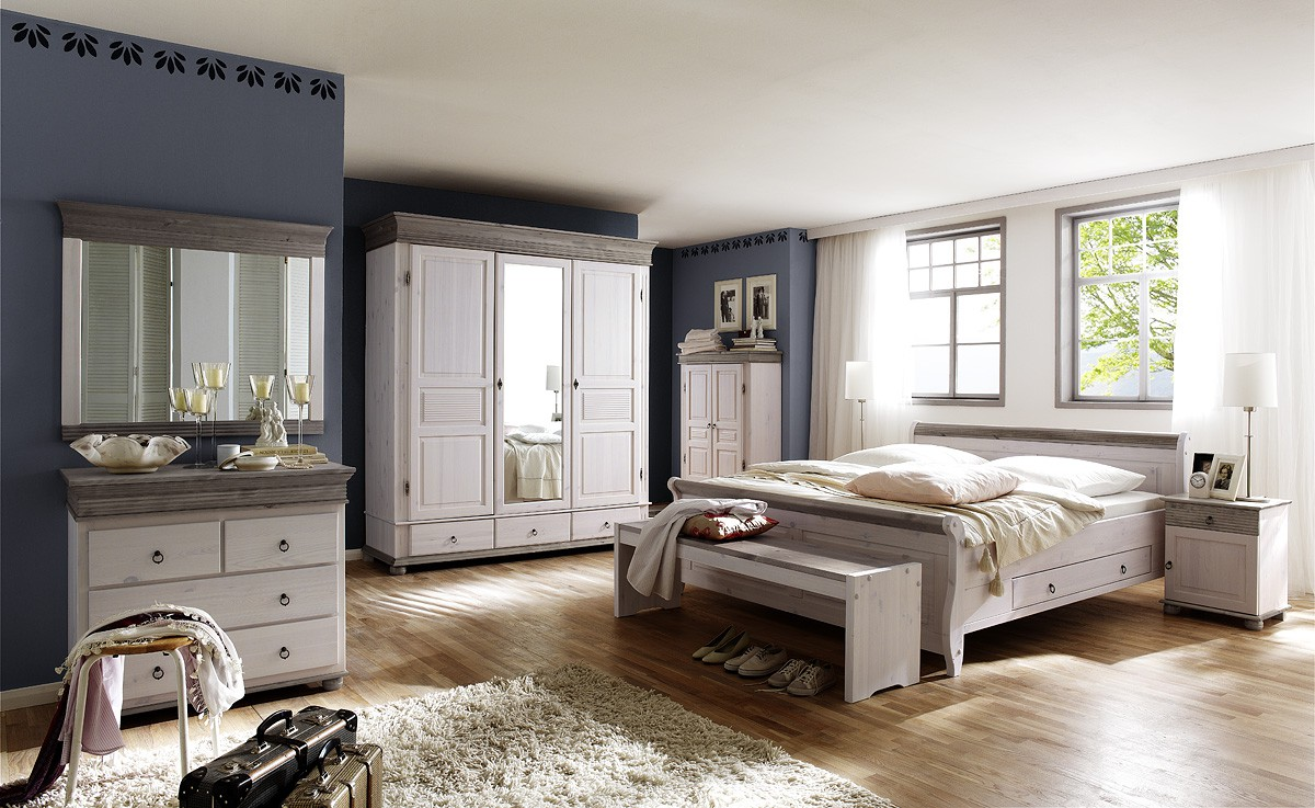 schlafzimmer oslo kiefer massiv im landhausstil. Black Bedroom Furniture Sets. Home Design Ideas